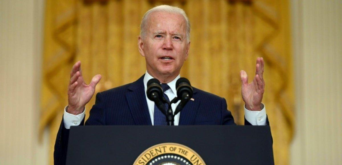 Attaque à Kaboul: Biden promet des représailles, confirme le retrait au 31 août