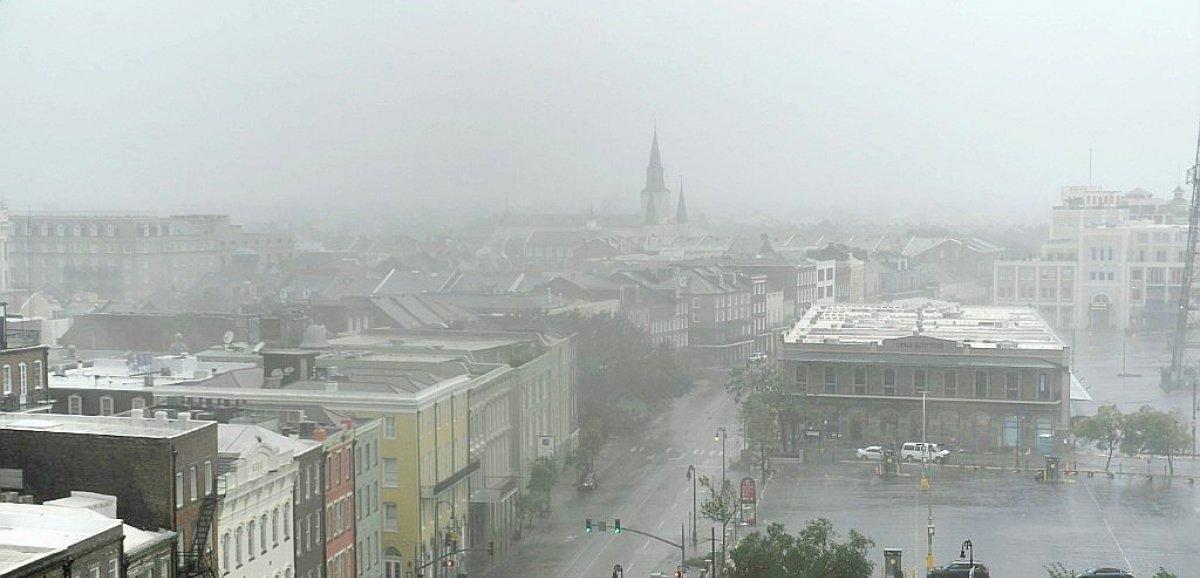 Sans courant, la Louisiane face aux dégâts de l'ouragan Ida