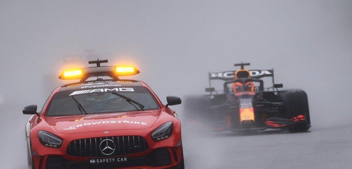 La F1 soulève une pluie de questions après la