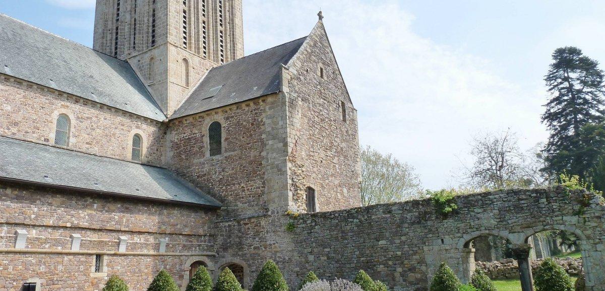 Mission patrimoine. L'Abbaye de La Lucerne-d'Outremer sélectionnée par Stéphane Bern