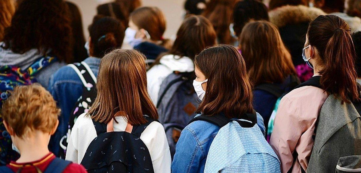 Nouvelle rentrée sous le signe du Covid pour des millions d'élèves