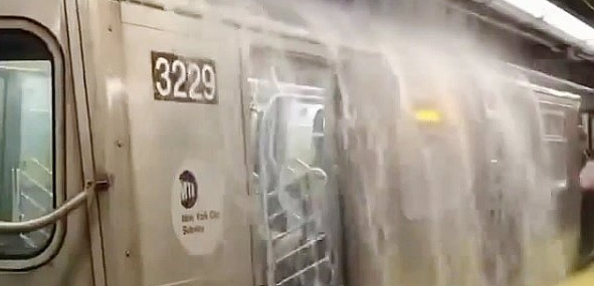 Les rues de New York submergées par les eaux