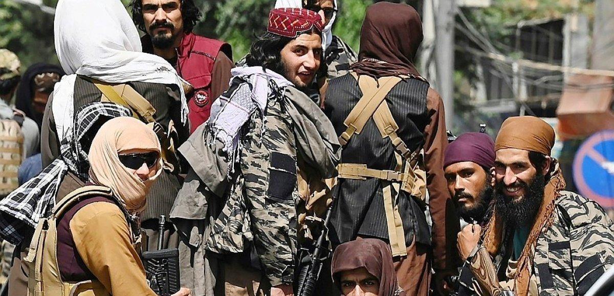 L'Afghanistan attend son nouveau gouvernement, des femmes manifestent pour leurs droits