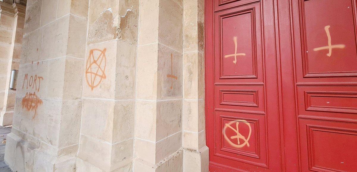 [Photos]. Des tags satanistesdécouvertssur l'égliseSaint-François au Havre