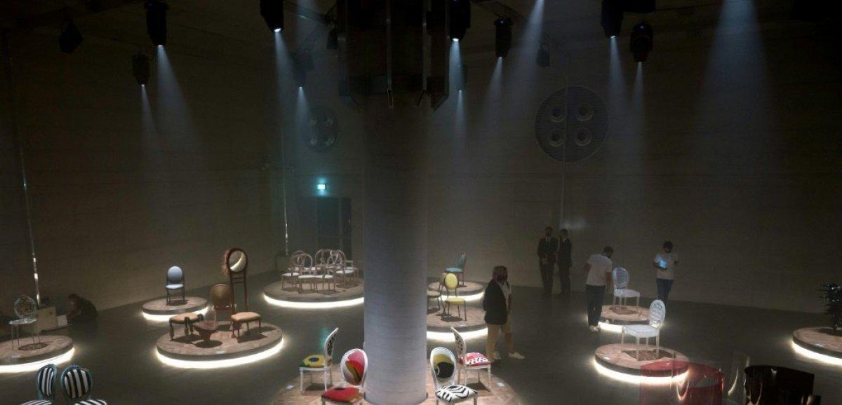 La chaise médaillon de Christian Dior revisitée par 17 designers