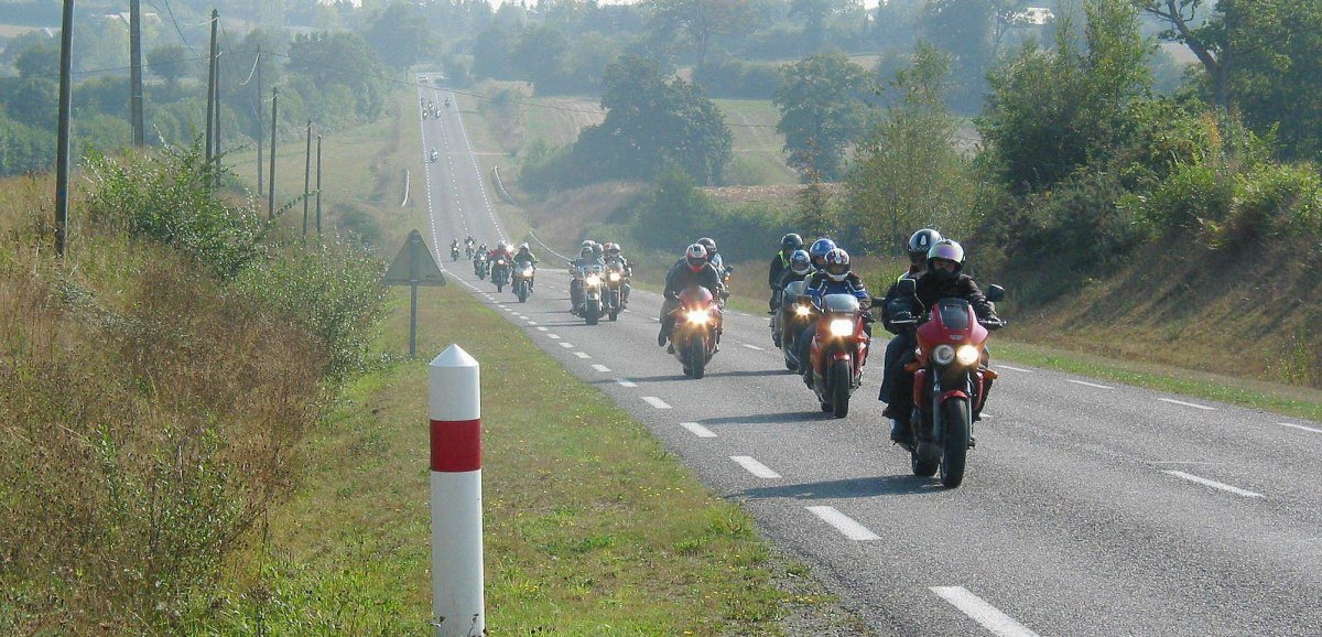 Une Journée moto avec les motards de la gendarmeriede l'Orne