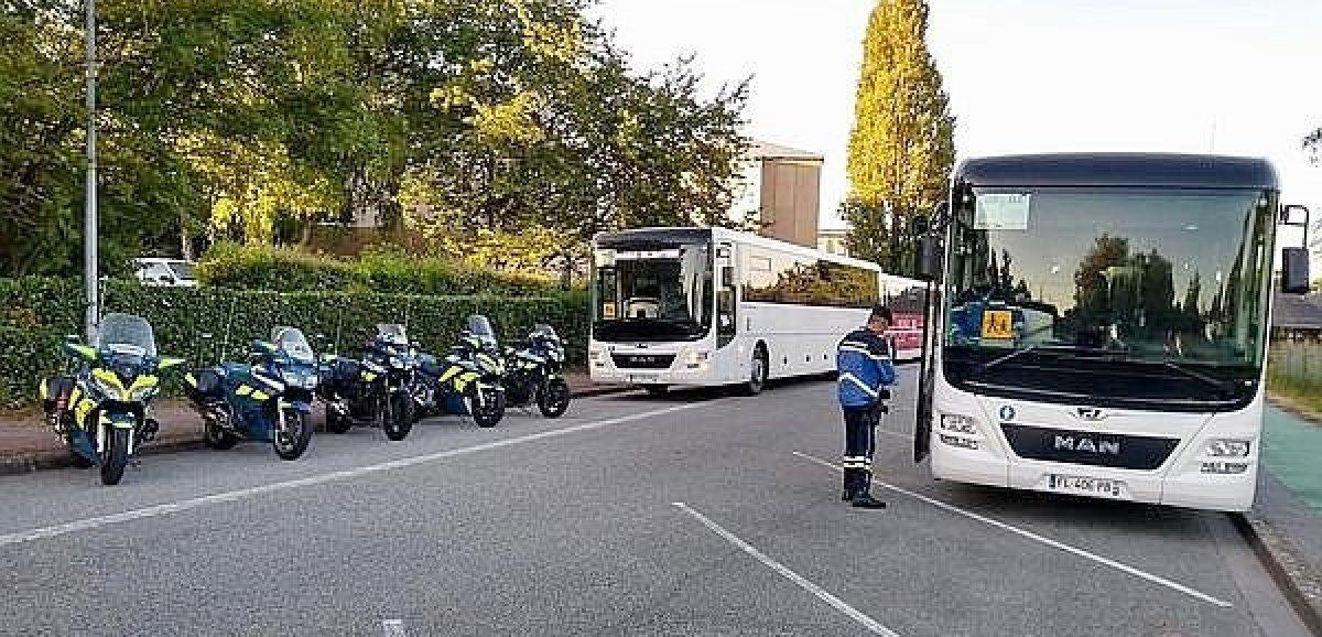 Orne. Les gendarmes contrôlent transports scolaires et camions