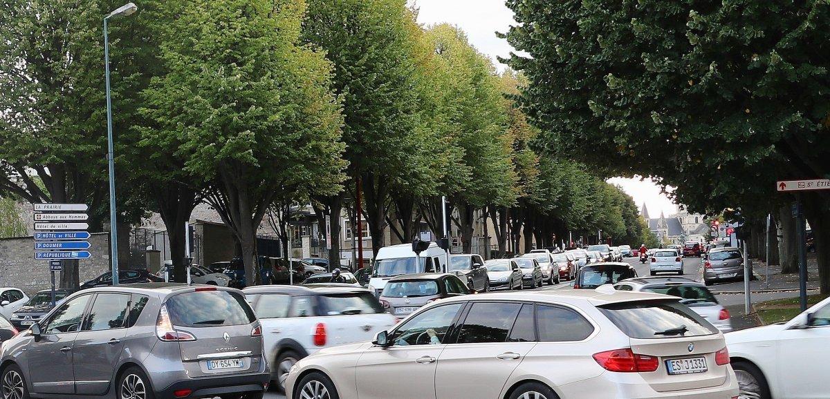 Caen. Stationnement et circulation perturbésauxFossés Saint-Julien