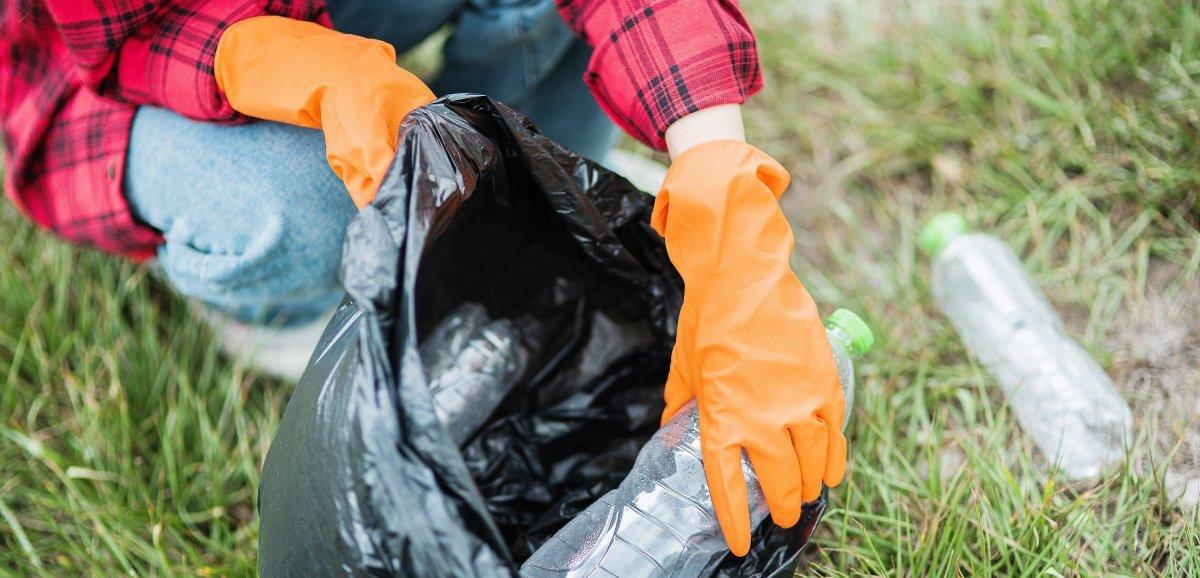 Initiative. Journée mondiale du ramassage des déchets en Normandie