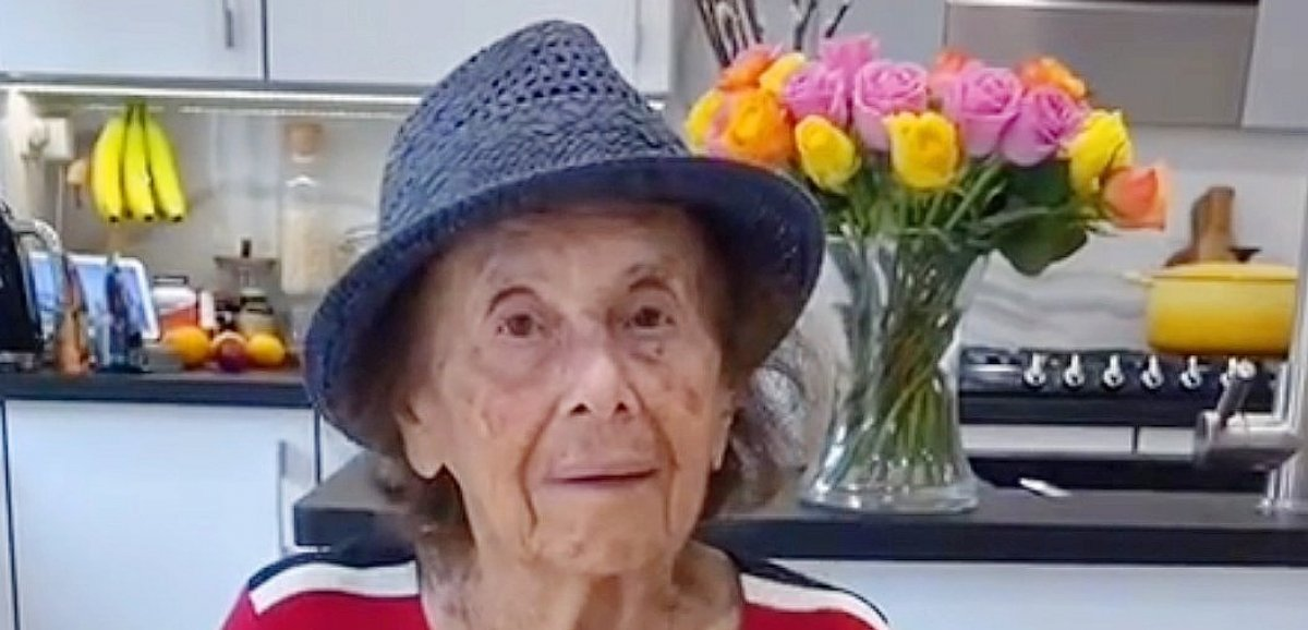 Seconde Guerre mondiale. Cette survivante d'Auschwitz âgée de 91 ans témoigne sur TikTok