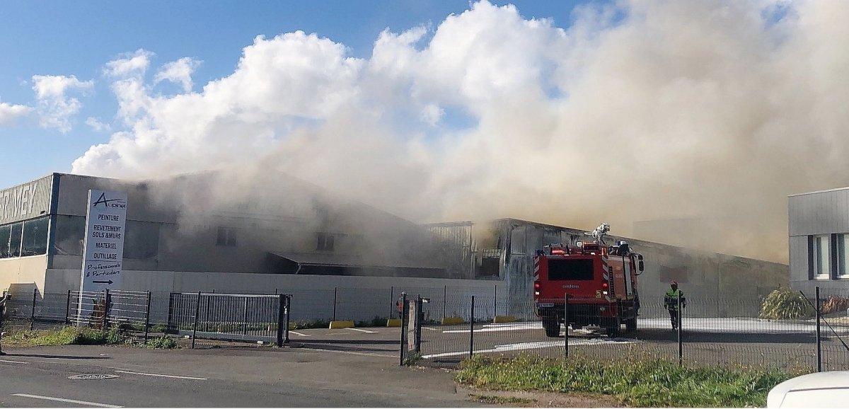 [Actualisé] Près de Caen. Un important incendie se déclare dans une entreprise