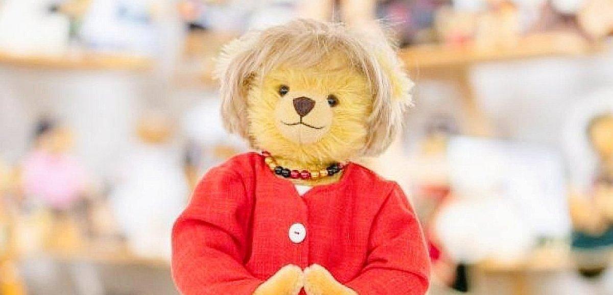Insolite. Un ourson à l'effigie d'Angela Merkel créé pour son départ