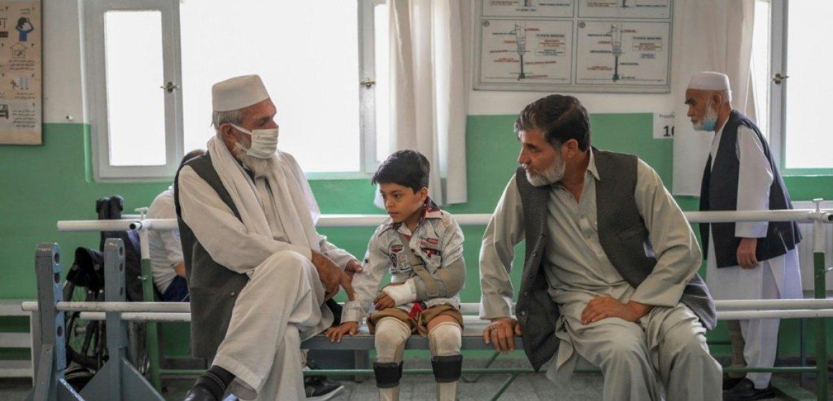 Afghanistan: sous l'égide du CICR, la réconciliation des amputés