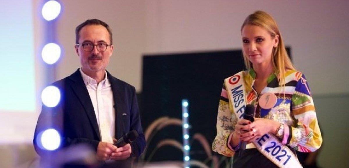 Miss France 2021. Amandine Petit présente lors desTrophées du service à la personne à Rouen