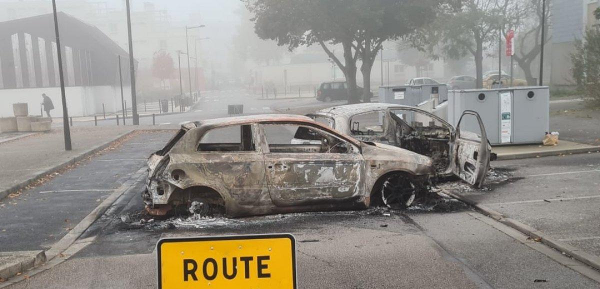 [Photos] Alençon. Véhicules incendiésà Perseigne, pompiers et policiers pris pour cible