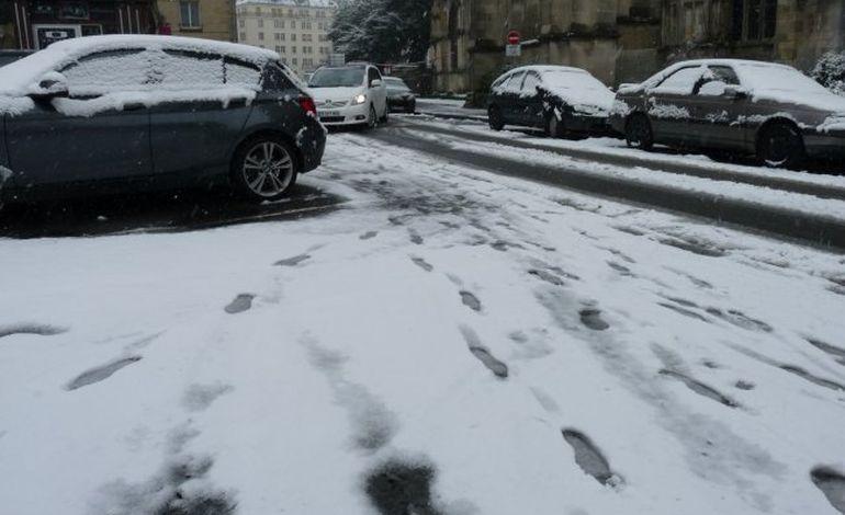 Bayeux, Caen : la neige provoque annulations en série