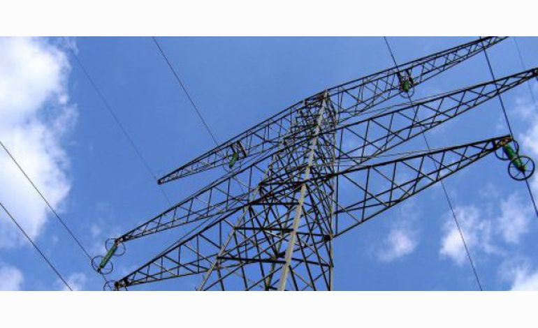 Neige : un câble de la ligne haute tension tombe sur la RN13