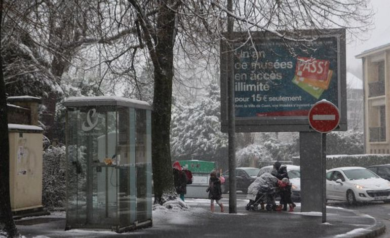 Neige : la tempête tombe sur Caen (VIDEO)