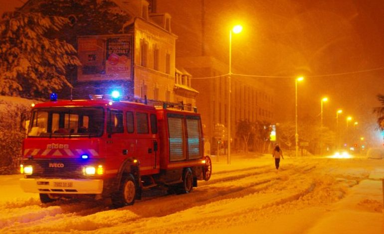 Neige : Cherbourg est bloquée (PHOTOS)