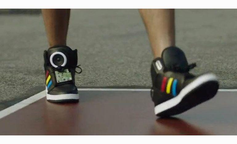 Talking Shoe : la paire de chaussures 2.0 de Google