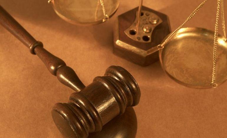 Tribunal de Rouen : assommé à coup de coupe-boulon