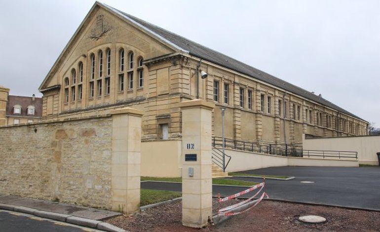 Le manège équestre de la Guérinière retrouve la lumière à Caen