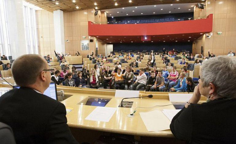 Les collégiens ont la parole au Conseil général de Seine-Maritime