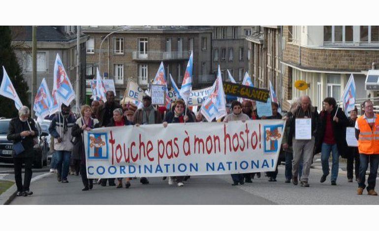 500 manifestants à Vire pour défendre la maternité