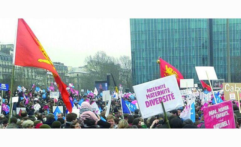 Mariage gay, la Manif Pour Tous 50 attend un signe de Hollande