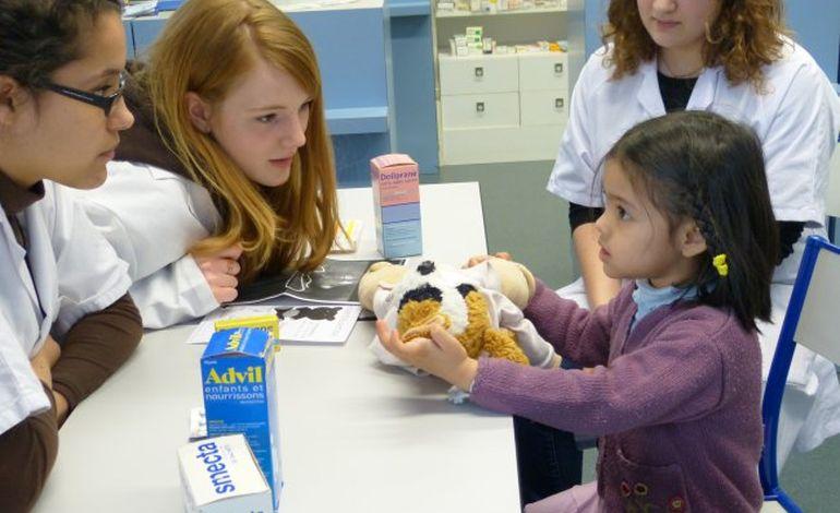 Rouen : l'hôpitaldesnounours apprivoise les enfants