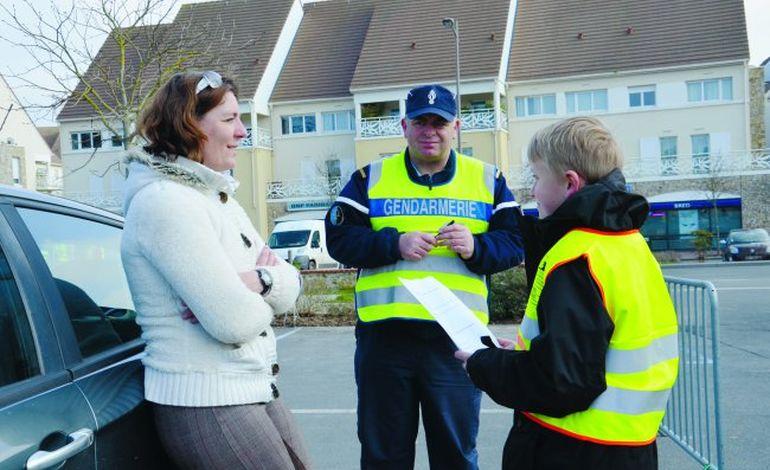 A Douvres, les enfants contrôlent les automobilistes