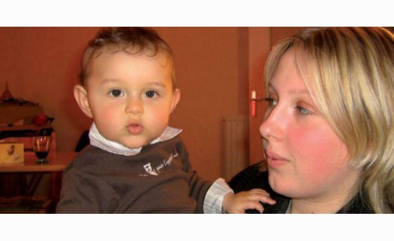 5 ans après son enlèvement, Enzo retrouve sa maman