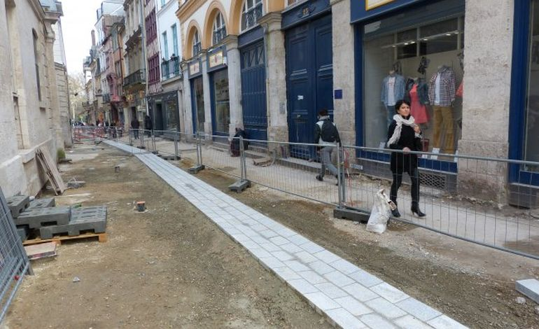 Rouen : la rue de l'Hôpital fait peau neuve