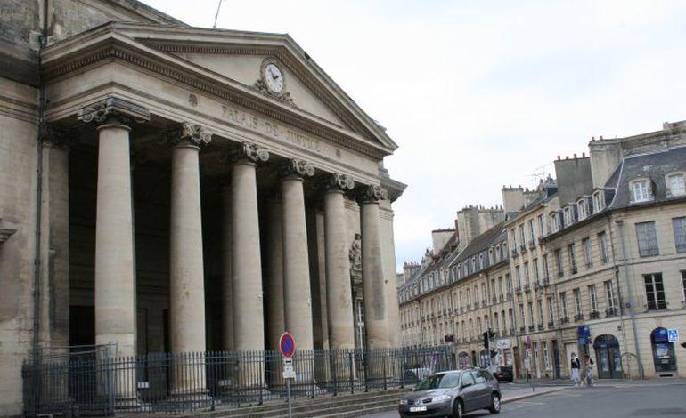 Tribunal de Caen : le voleur avait la clef des vitrines