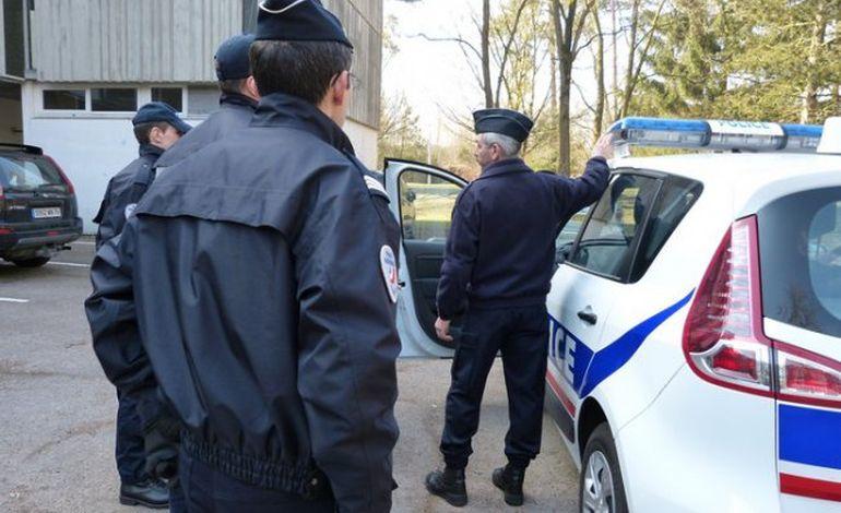 Oissel muscle les policiers français