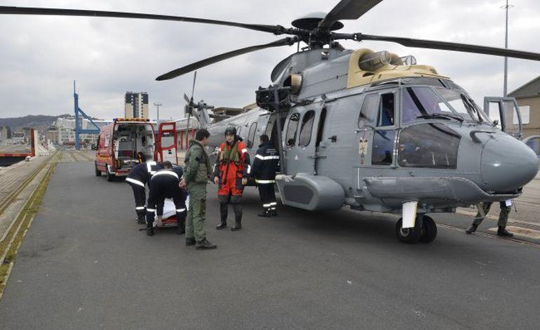 Evacuation médicale en pleine mer au large de Barfleur
