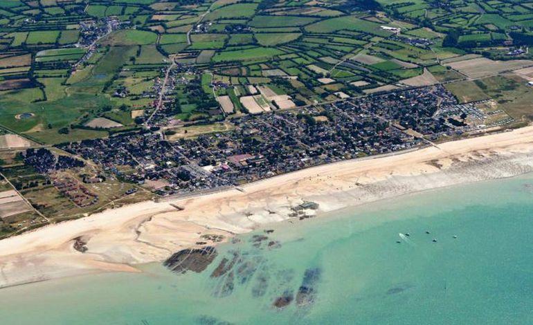 le corps d'une femme décédée retrouvée sur la plage de Pirou