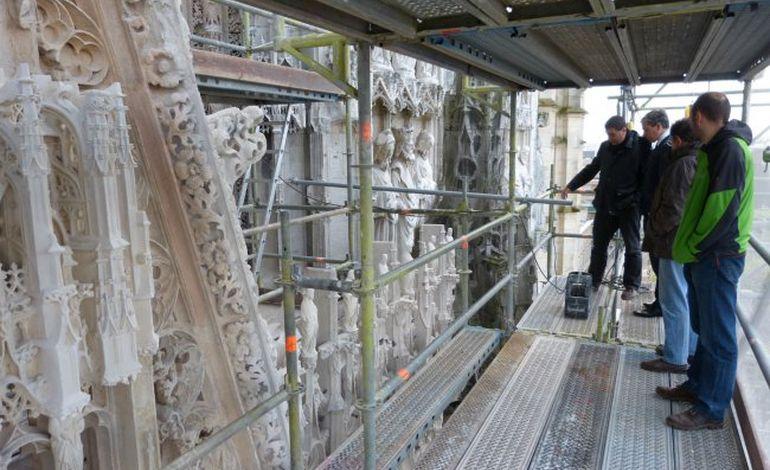 Une restauration d'exception se termine à la cathédrale de Rouen