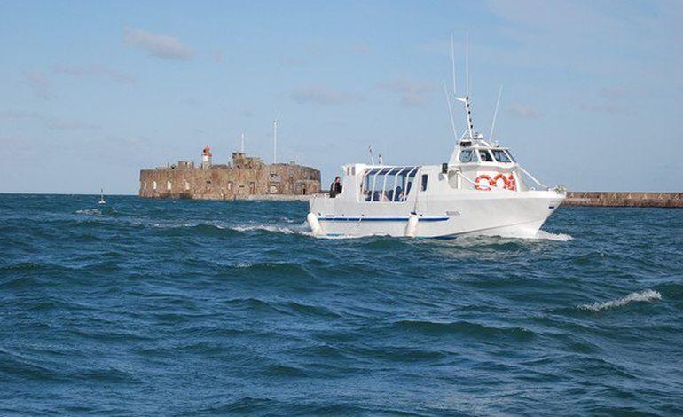 Venez naviguer le long des côtes normandes