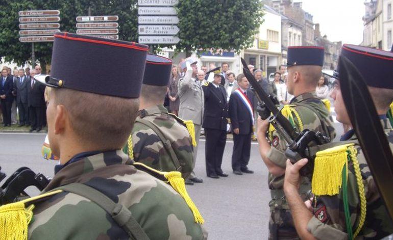 8 mai : jumelage entre un collège d'Alençon et un régiment de Mourmelon