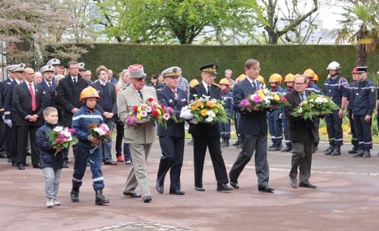 8 mai : mémoire et recueillement en Basse-Normandie