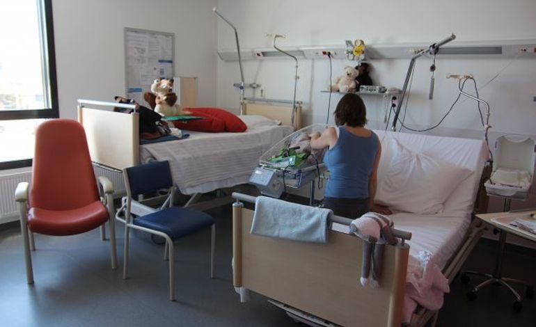 Au CHU de Caen, le bébé prématuré dort avec ses parents