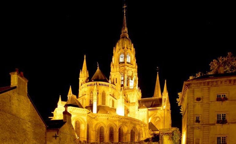 La cathédrale de Bayeux s'équipera d'une nouvelle cloche en 2014
