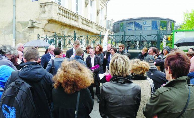 Collège Lemière : Vincent Peillon s'empare du dossier