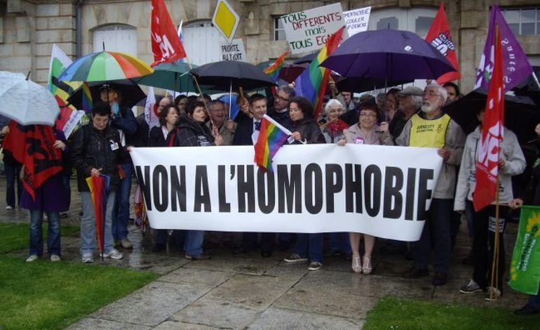 Alençon: manifestation contre l'homophobie