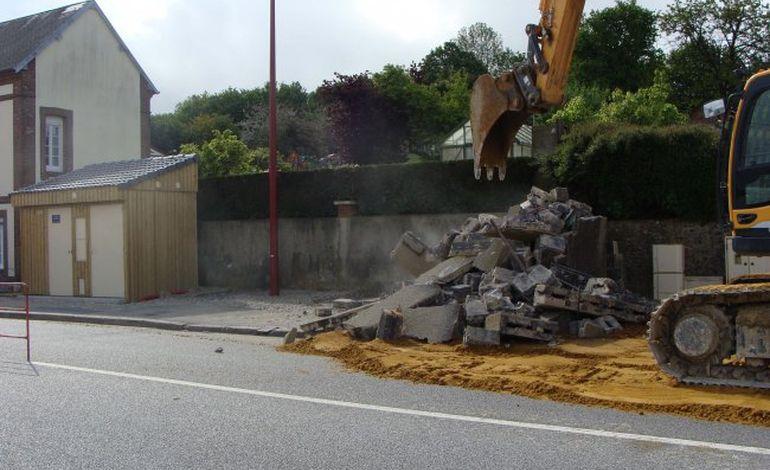 Aube : destruction d'un vieux transformateur inesthétique