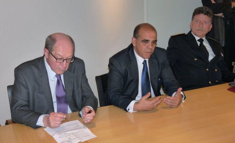 Le ministre Kader Arif dans le Calvados pour le 6 juin