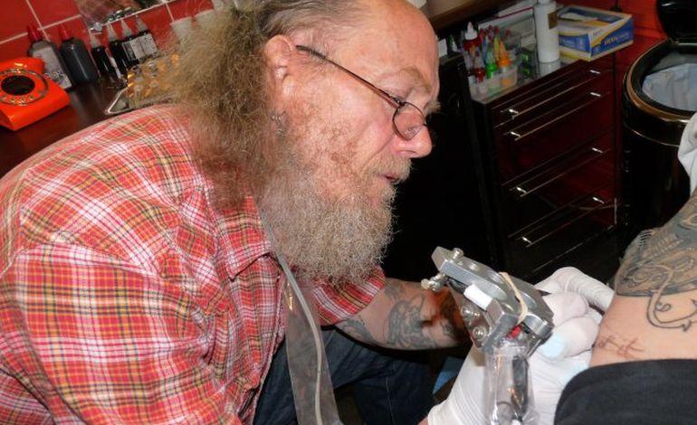 Jacky Tatouage jacky, la mémoire du tatouage à caen