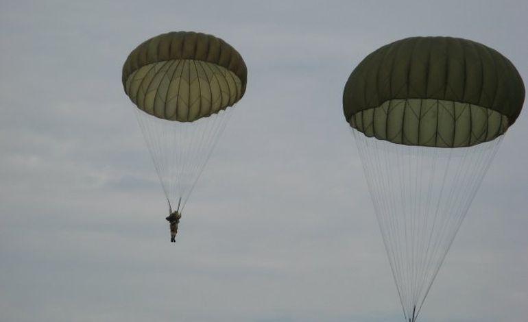 Parachutages à La Fière : 5 militaires blessés dont un grave