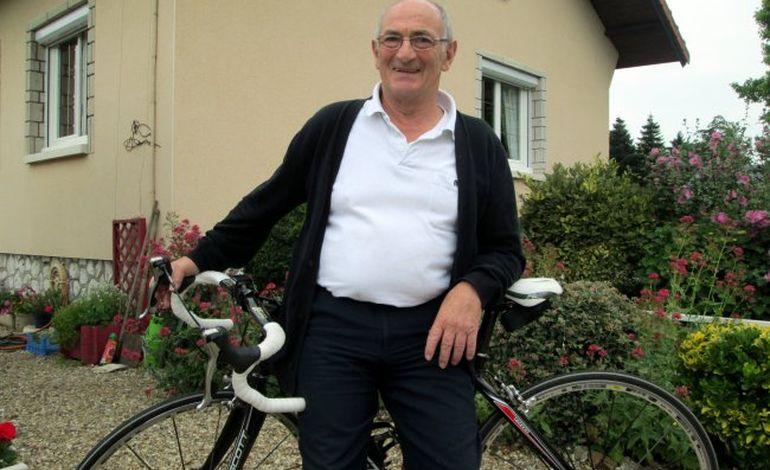 Une vraie passion : le Rouennais a la tête dans le guidon depuis soixante ans